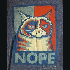 Grumpy Cat T-shirt (Men's Small)